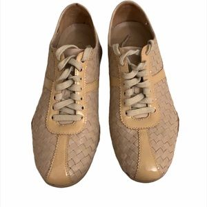 Cole Haan with Nike Air lace up shoe / sneaker